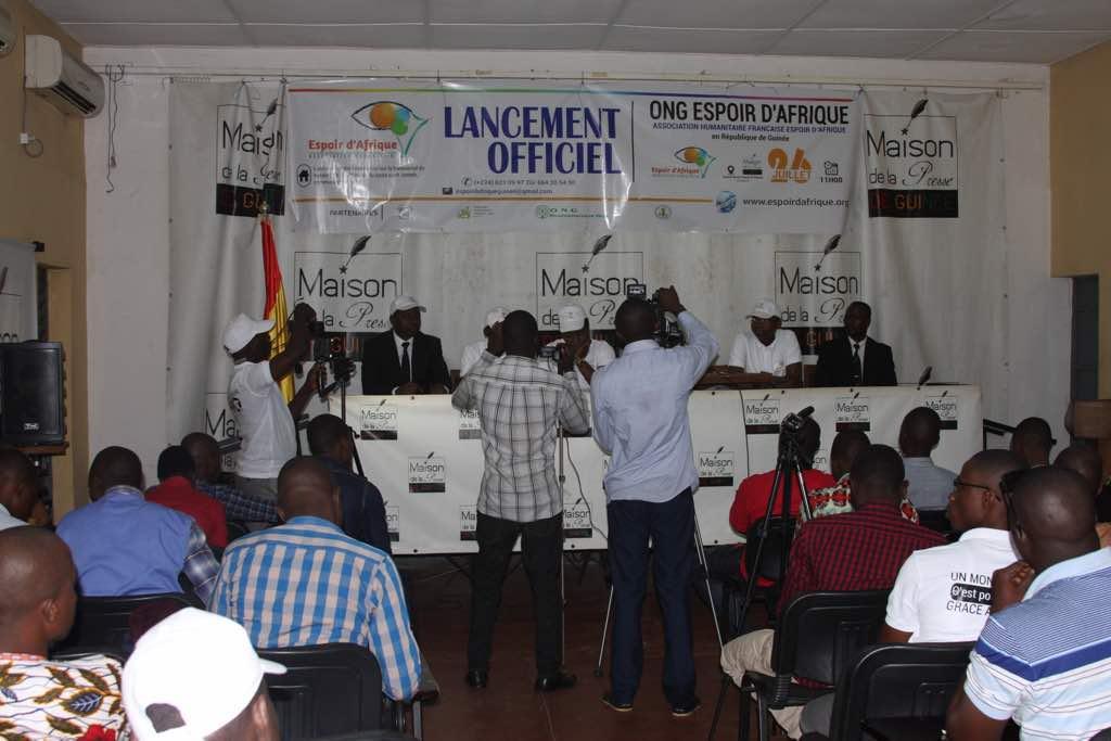 Partenariat de l'ONG-UCD et l'ONG-Espoir d'Afrique à la maison de presse